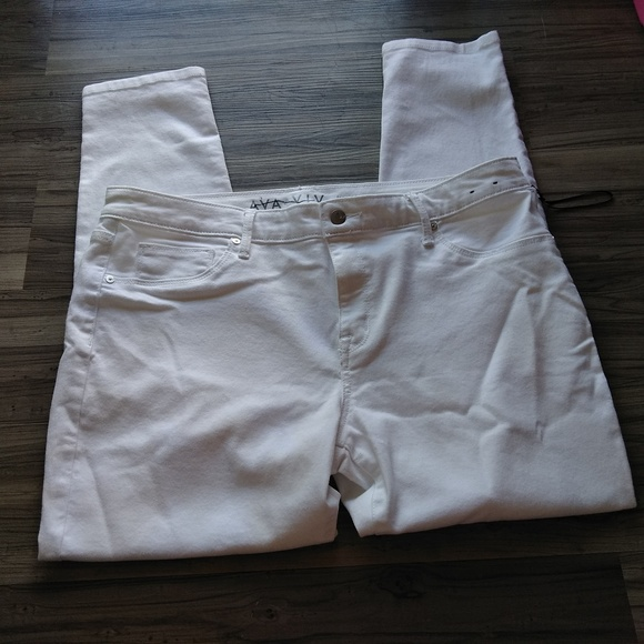 49af2337f54 Ava   Viv White super stretch jeggings 16W